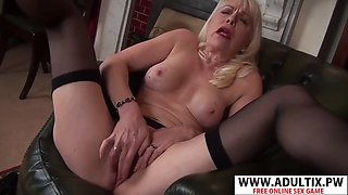 Smoking mother margaret holt gets nailed sweet hot dad&#39s friend