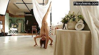 Beautiful naked ymnast Dasha Lopuhova